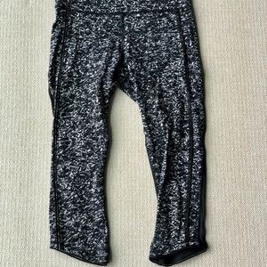 Lululemon cropped mesh leggings size 8